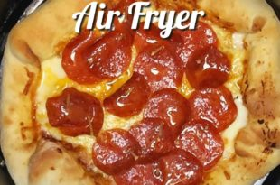How to Make the Best AIR FRYER Stuffed Crust Pizza Recipe! Today I will be making a Delicous Homemade Stuffed Crust Pizza in the Air Fyer!! Save your coins and make a delivery style Pizza at home in minutes in the Air fryer. The Hot Oven Gets NO PLAY OR COOK TIME TODAY!!
