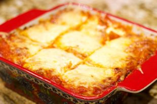Keto Low Carb Lasagna Recipe | Keto Daily Here's a Keto Lasagna Recipe that is sure to win the whole family over. It is simple to make, and it tastes just like the real deal. By using the Natural Heaven Palm Heart Lasagna Noodles, we not only inadvertently reduce the calories in this dish compared to traditional pasta, but we dramatically reduce the carbohydrate count too. The Palm Heart Noodles are low carb and high fiber, leaving you with hardly any net carbs in the entire box. It's a win-win, though they do cost about 2-3 times as much as regular lasagna noodles.
